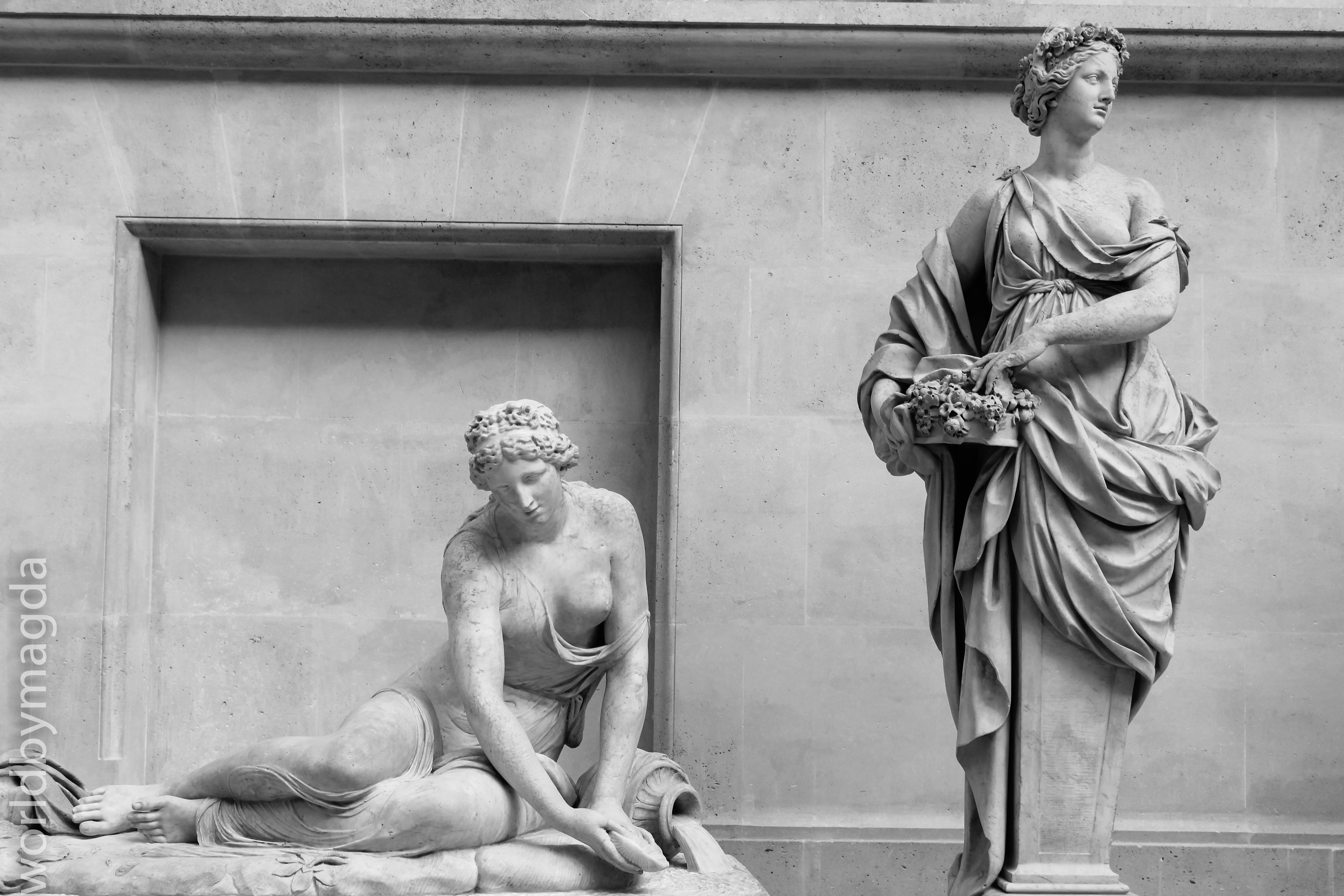 Art collection in Louvre